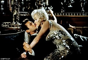 Tony Curtis and Marilyn Monroe in Some Like It Hot.